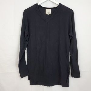 ANTHROPOLOGIE BLACK VNECK LONG SLEEVE SWEATER
